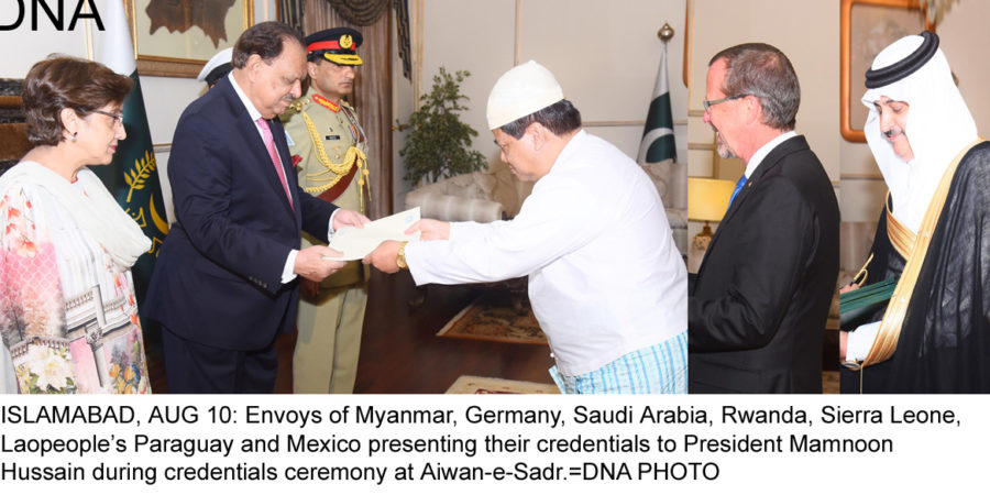 ISLAMABAD, AUG 10: Envoys of Myanmar, Germany, Saudi Arabia, Rwanda, Sierra Leone, Laopeople's Paraguay and Mexico presenting their credentials to President Mamnoon Hussain during credentials ceremony at Aiwan-e-Sadr.=DNA PHOTO