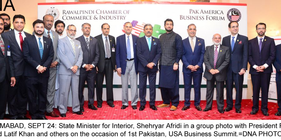 ISLAMABAD, SEPT 24: State Minister for Interior, Shehryar Afridi in a group photo with President RCCI, Zahid Latif Khan and others on the occasion of 1st Pakistan, USA Business Summit.=DNA PHOTO