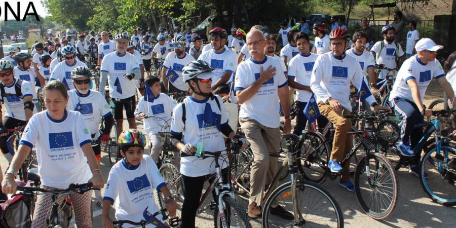 ISLAMABAD, OCT 07: Ambassador of European Union, Jean Francois Caution along with  civil society activists take part in cycling competition jointly organized by European  Union and WWF to mark Climate Diplomacy Day, on Sunday.=DNA PHOTO SUNNY