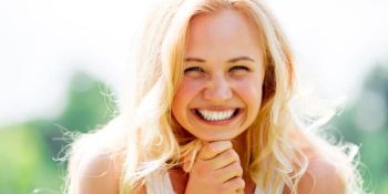 How to make teeth white naturally from yellow