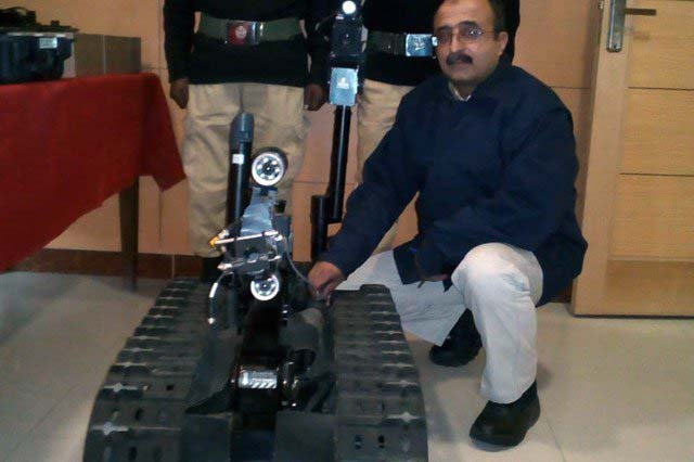 Pakistan gets Rs70m bomb disposal robot from EU