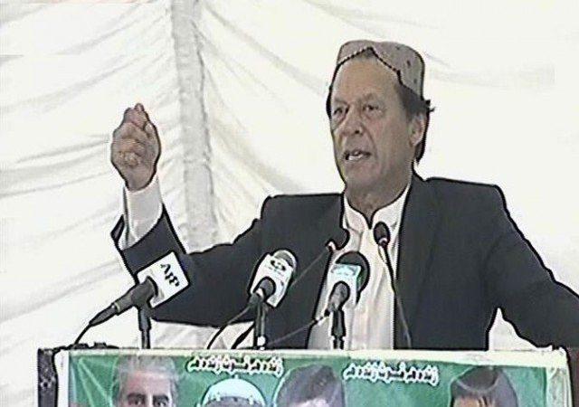 PM Imran announces 'health package' for Tharparkar