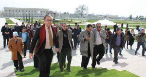 Delegates enter the Imam Bukhar Research Centreline