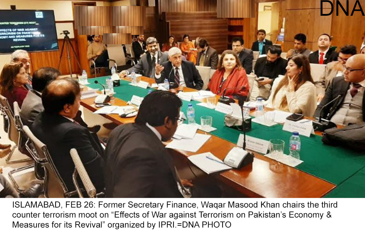 """ISLAMABAD, FEB 26: Former Secretary Finance, Waqar Masood Khan chairs the third counter terrorism moot on """"Effects of War against Terrorism on Pakistan's Economy & Measures for its Revival"""" organized by IPRI.=DNA PHOTO"""